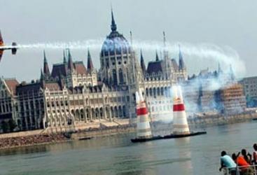 """Budapeşt """"Red Bull Air Race"""" yürüşünün keçirilməsindən imtina edib"""