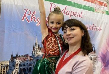 Altı yaşlı gimnastımız beynəlxalq turnirdə ilk medalını qazanıb